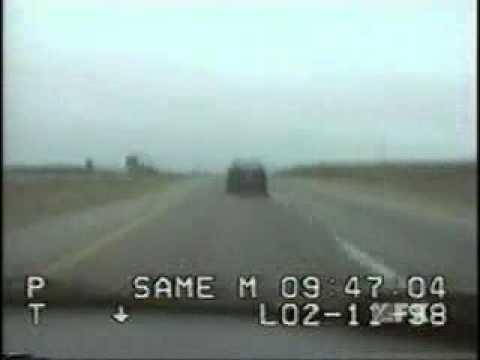 Police vs BMW E30 M3